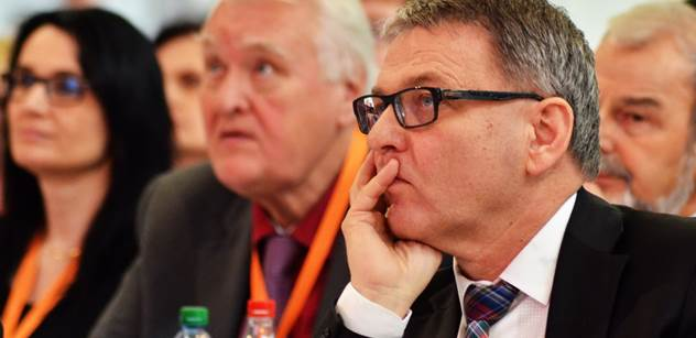 Úzké vedení ČSSD si dnes bude lámat hlavu, jak přiláká voliče