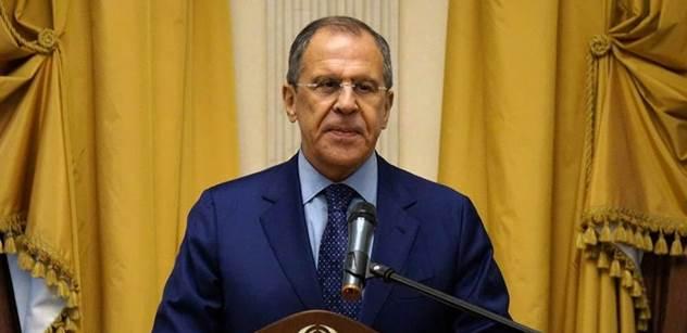 Rusko v odvetě vypovídá diplomaty, vůči Británii navíc ještě přitvrdilo