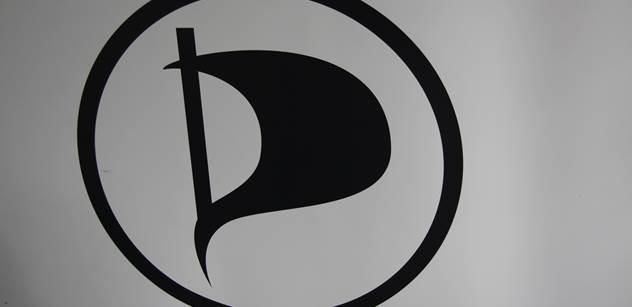 Bartoň (Piráti): Návrh volby mezi cizím jazykem a matematikou prošel vládou