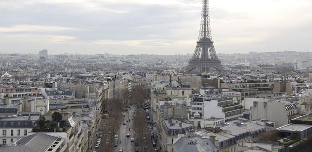 S Paříží, jak ji znáte, je konec. Auta pryč! Vše pro kola a chodce. Až budete číst ta čísla...