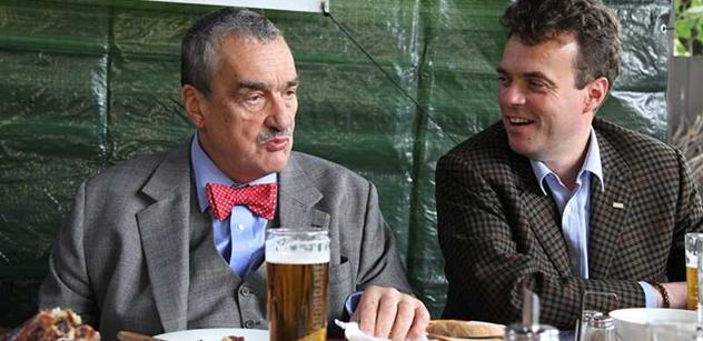 Schwarzenbergovy voliče v Plzni málem vypískali