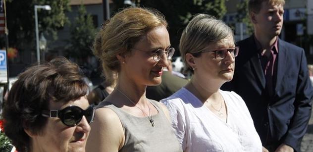 Mašínova dcera Sandra: Merkelová pozvala migranty a teď za to budeme platit. A do Afriky kontrolu porodnosti!