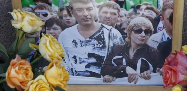 Boris Němcov, to je pro Rusy symbol humanismu! ČT ukázala Hřibovu show, pak se připojil Karas z moskevského mostu