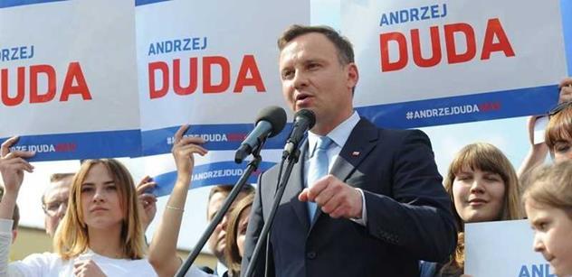 Totální záhul jste dostali. Hnali jste nás do války, smáli jste se Čechům kvůli Rusku, směje se poraženým v polských volbách pan...