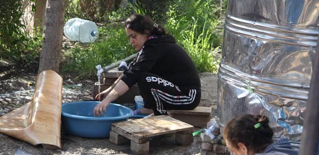 """Iráčan, který vybíral """"uprchlé"""" uprchlíky, spolupracuje s konvičkovci, všímají si noviny"""