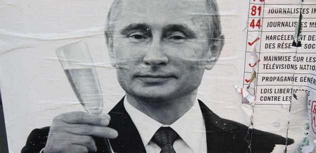 """VIDEO No to je síla: Miliony lidí v Rusku šíří rockový klip s Putinem. """"Trsá"""" v něm i Donald Trump"""