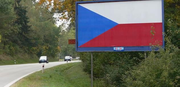 Potíže s odstraněním billboardů u silnic mají i kraje, stále jich zbývají stovky
