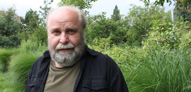 Předseda Asociace spisovatelů: Spojovat Gotta s českou literaturou je nesmysl. Včelka Mája a Krteček nemohou být kulturními ambasadory dospělého světa