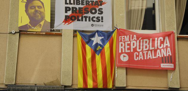 Získali jsme pár dnů staré video plné násilí, jež pobouřilo Barcelonu. V hlavní roli dva turisté a pět dětských agresorů, údajně z Maroka