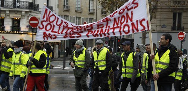 Kdyby Putin zavřel 1700 lidí, to by bylo v ČT veselo! Po Francii nastala hrůza: Konec EU? Člověk z lidu diktuje?