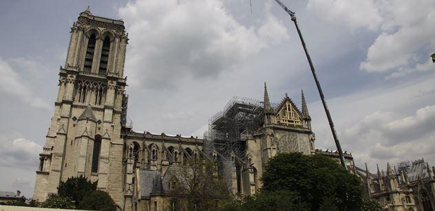 """Vzpomínáte? Hořící Notre-Dame. """"To nebyla elektroinstalace,"""" obává se Jan Eichler"""