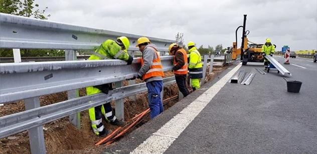 Na dálnici D5 probíhá modernizace svodidel