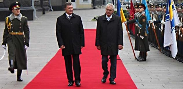 K výročí Majdanu promluvil v ruské televizi uprchlý prezident Janukovyč. Dnešní vláda prý jen ničí zemi a páchá bezpráví