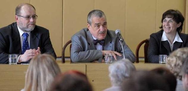 Politik TOP 09 se vysmál tlachům levice a řekl více o vztahu Kalouska a knížete