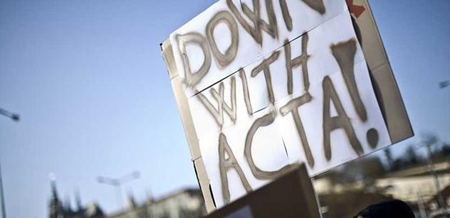 Mlžení nám nestačí, vzkázali vládě protestující proti dohodě ACTA