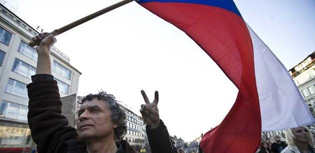 Celonárodní protest i stávka? Odbory zvažují připojení k Holešovské výzvě