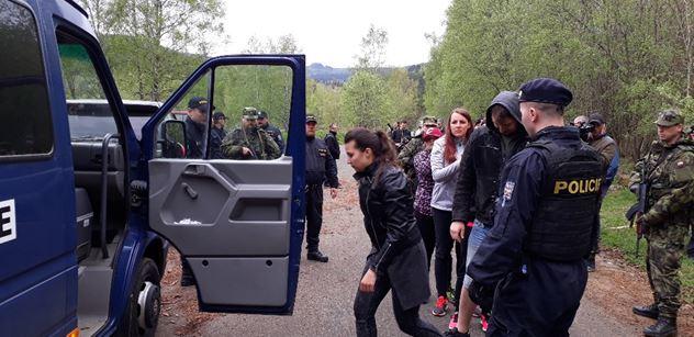 Bez dokladů, neuměli česky! Na největším cvičení záložníků v historii armády kontrolovali hranici