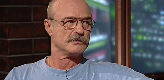 """""""Blbci!"""" Pavel Nový pro PL: Ať je Babiš ve sračkách jako uprchlík. Soukup má vymlácenou palici. Znám vtip..."""