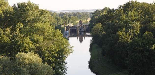 Ředitelství vodních cest: Plavební kanál Vraňany - Hořín u Mělníka překlenou nové mosty