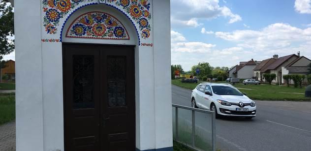 Moravská vlajka vlaje na počest věrozvěstů v 1519 obcích