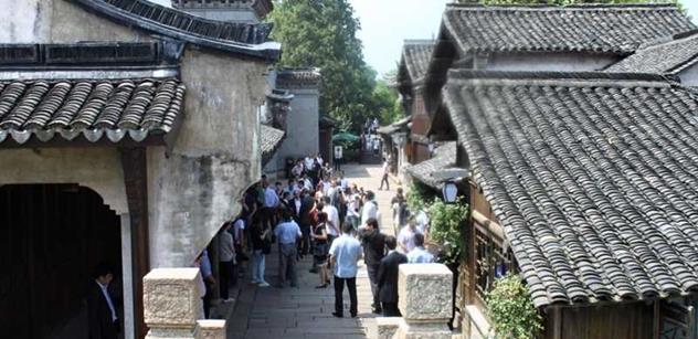 Sobotka bude dnes v Pekingu jednat s čínským prezidentem