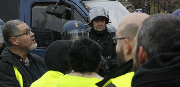 Putin, Francii podpaluje Putin, padlo. Znalec teď tvrdě udeřil: Lid se vyslovil! A důrazně