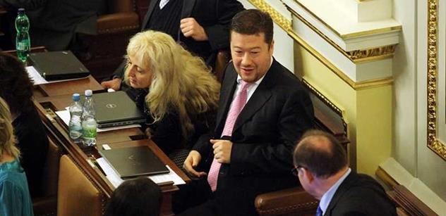 """Omezme Okamuru, žádal sněmovnu Kalousek. Důvodem byl návrh proti """"šmejdům"""""""