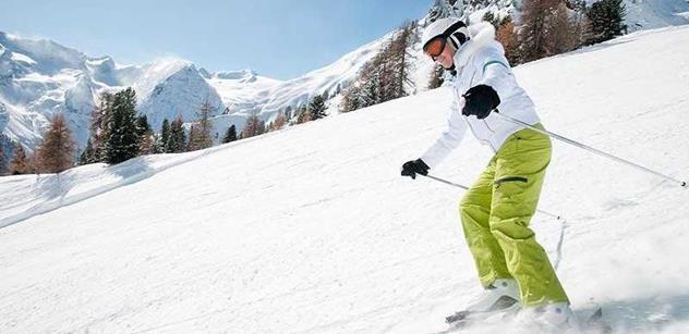 I běžný úraz může přijít lyžaře na statisíce
