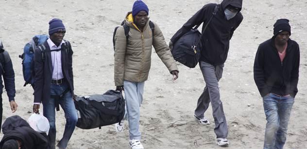 Metropole, kterou všichni doporučovali k životu: Celou čtvrť tam ovládá muslimský gang imigrantů. Vybírají výpalné, prosazují právo šaría...
