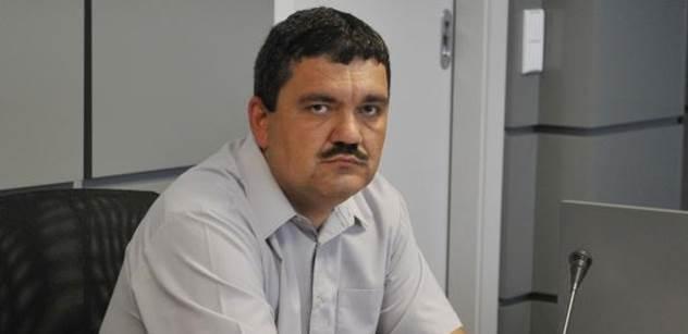 Bývalý vyšetřovatel, přítel Zemana: Česko si rozdělují nenažrané pijavice. Lidé zápasí o přežití. Bombardujeme vyděšené chudáky a šíříme smrt