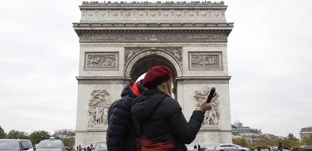Ovlivní čtvrteční útok francouzské volby? V rozhlase debatovali o kandidátech. Jeden z nich se prý myšlenkově zastavil v roce 1968