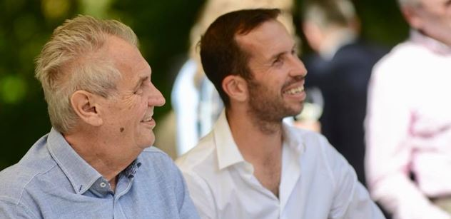 FOTO Zeman s Michalem Davidem, Petrou Kvitovou či mocným mužem. Na uzavřené akci všem oznamoval, že...