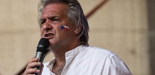 Moderátor Slávek Boura: Do ulic jsme měli vyjít už dávno, ale jsme zvyklí jen brumlavě nadávat. Nezbývá nám, než se držet u rekta Německa