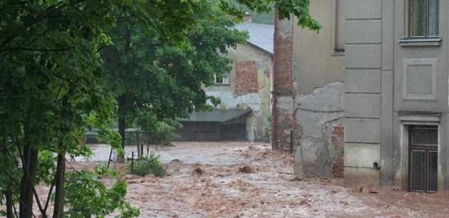 V celé ČR hrozí silné bouřky a na velké části území i povodně