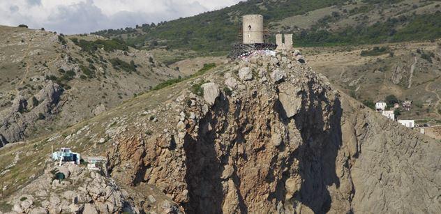 Spisovatel Jozef Banáš se byl podívat na Krymu. Napsal o tom reportáž, kterou mu čtyři média odmítla otisknout