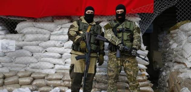 Separatisté nadále trvají na nezávislosti. Kyjev navrhuje status zvláštního postavení
