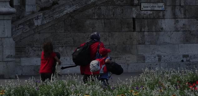 Proč se uprchlíci dali na pochod: Roli hraje i počasí