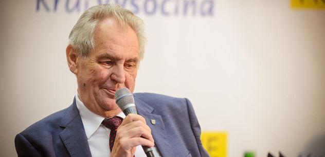 Zrušte poplatky pro ČT, udeřil prezident Zeman. A vyslal varování EU