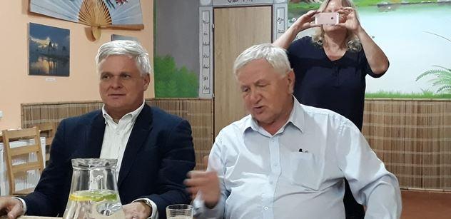 Dva političtí matadoři na akci Trikolóry: Ruku bych si urazil, že jsem pomáhal vstoupit ČR do EU! ODS převezme Topolánek. A Babiš? Pozor na příští volby