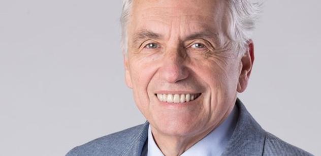Docent Kroh vážně o stavu české společnosti: Že se senátorem stal Drahoš... U nás by se senátorem stala i gorila Richard