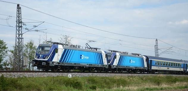 Na železnici jsou předpisy psány krví, sdělil Moravcovi ředitel Českých drah