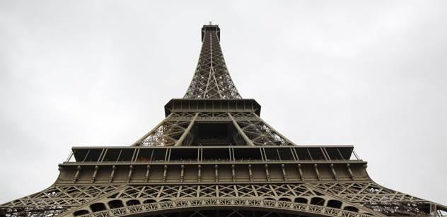Děsivý zločin pod Eiffelkou: Šla na rande s mladým Tunisanem, místo něho na ni ale čekala trojice uprchlíků. A dopadla velice zle
