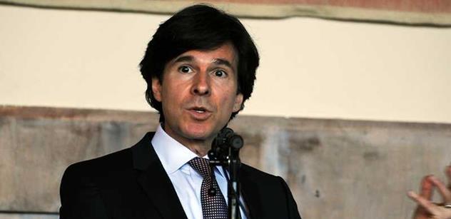 Velvyslanec USA Schapiro otevřeně: Naše ambasáda má dobré vztahy v podstatě se všemi členy vaší vlády