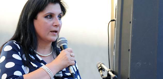 Demonstrantka Klára Samková odhaluje schválnost, kterou prý někdo spáchal na dnešní akci proti Merkelové