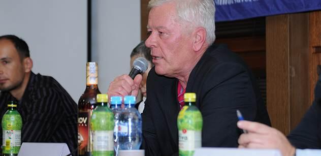 Prokázali jste státnickou prozíravost, poděkoval Josef Skála poslancům, kteří podpořili KSČM ve věci lithia