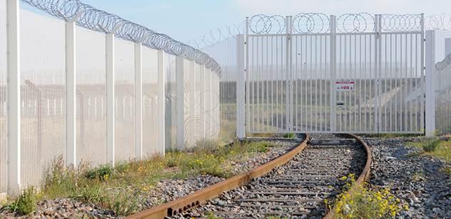Nadržený špindíra. Vláda lže a pouští sem imigranty znamenající vážné riziko. Ptali jsme se politiků na kauzu sestry z Bulovky znásilněné zde legálně žijícím Afgháncem a...