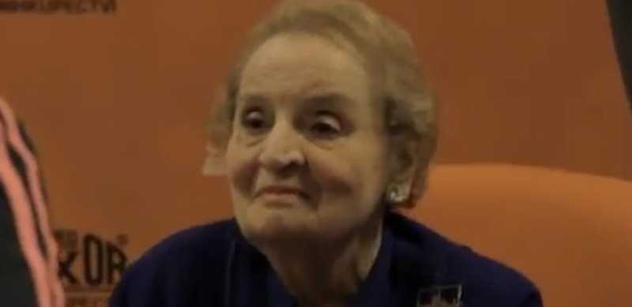 Video odhaluje skutečný průběh šarvátky na akci Madeleine Albrightové