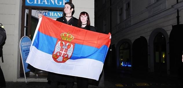 Srbský premiér, který se snaží dostat do EU, se setkal s Vladimirem Putinem. A bruslil, bruslil a bruslil
