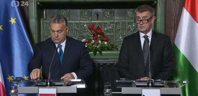 Chceme novou Evropskou komisi, rozčiloval se Orbán na tiskovce v Praze. A Babiš si přisadil: 87 miliard eur nás stojí...