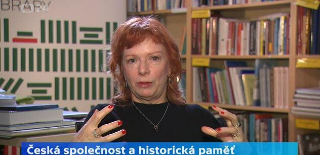 Bára Štěpánová promluvila k divákům ČT: Nemalé části společnosti nejde o svobodu. Stačí jim ty jogurty a lepší oblečení. A že jim někdo dá tisícovku k důchodu